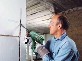 Как сделать канал для проводки в стене?