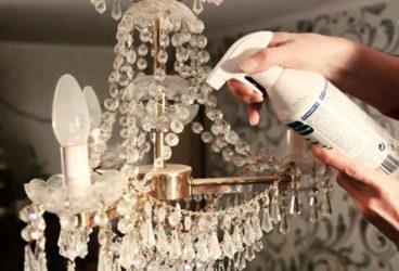 Как почистить хрустальную люстру не снимая?