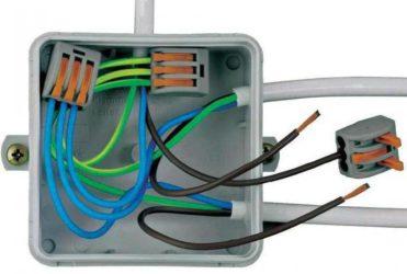 Соединение проводов с помощью зажимов