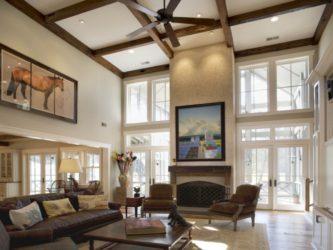 Люстра для комнаты с высоким потолком