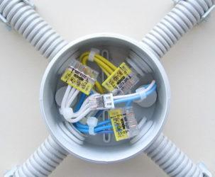 Соединение гофры электрической