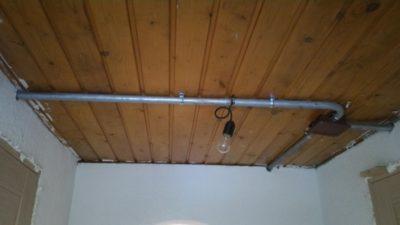 Скрытая проводка в металлических трубах