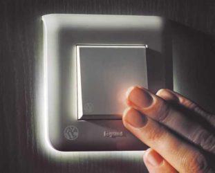 Нагревается выключатель света