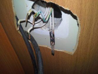 Почему греется проводка в доме?