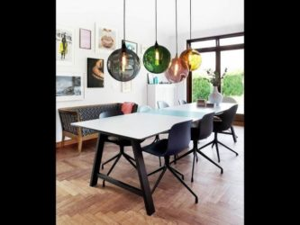 Висячие люстры над столом на кухне